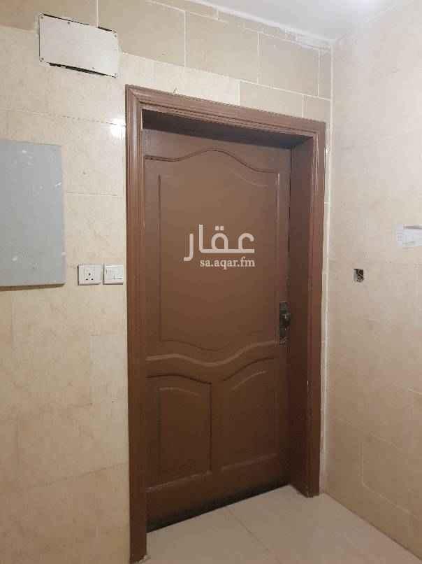 1529358 شقة مجدده في الاجاويد حي الالفية ٣ غرف وصالة  ومطبخ  ودورتين مياه الشقة دورارضي  للايجار با١٨ الف ١٥٠٠ شهري