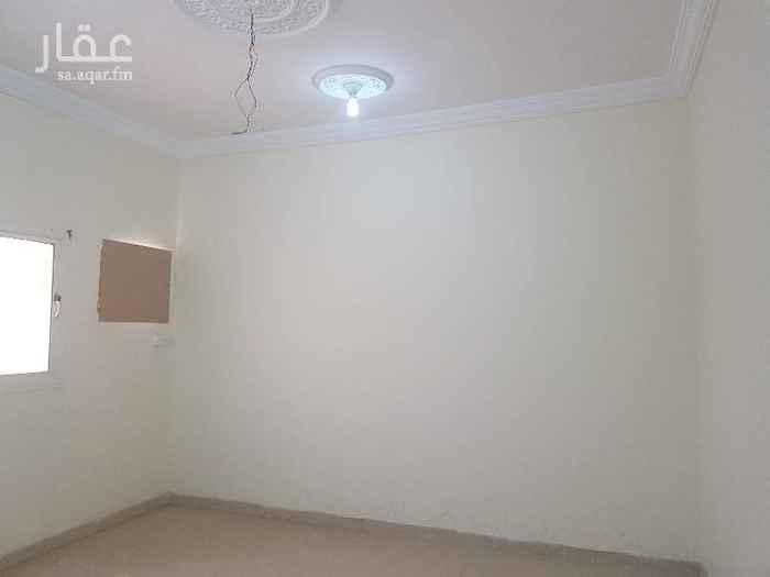 1530247 شقة في الاجاويد حي الالفية ٤ غرف  وصالة ودورتين مياه ومطبخ الشقة في الدورالاول  قريبة من الجامع  شهرمجاناً للايجار با١٦ الف شهري