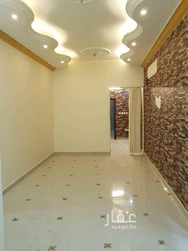 1554534 شقة في الاجاويد حي الالفية  ٤ غرف  صالة  ودورتين مياه  ومطبخ دورارضي للايجاربا٢٠ الف شهري ١٦٦٦