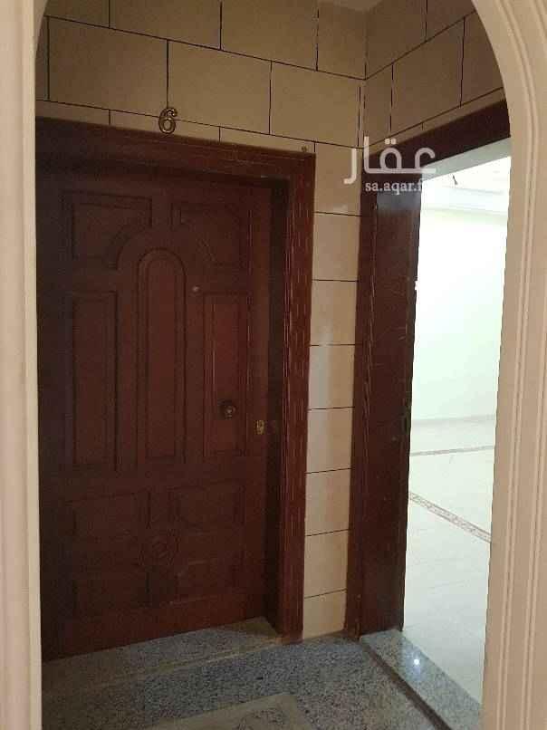 1644823 شقة في الالجاويد٢ الشقة مجدده نضيفه ٣غرف  وصالة و٣ دورات مياه ومطبخ عدادمستقل  المويه عين دورثالث مصعدراكب جنب الخدمات  للايجار با٢٠ الف دفعات فقط