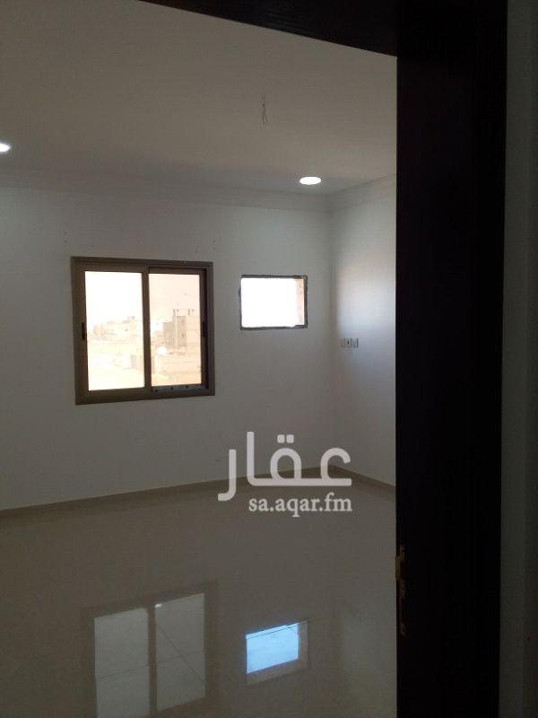 شقة للايجار في حي الصواري 4  بالعزيزيه الخبر