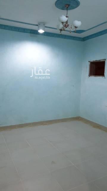 1719797 شقة ٤ وصالة و٣ حمامات للايجار بعمارة سكنية الموقع حي الحمراء شارع الجولان(ناصر بن سرحان بن منيخر) بالدور الاول يوجد مطبخ راكب السعر ٢٤٠٠٠ ريال