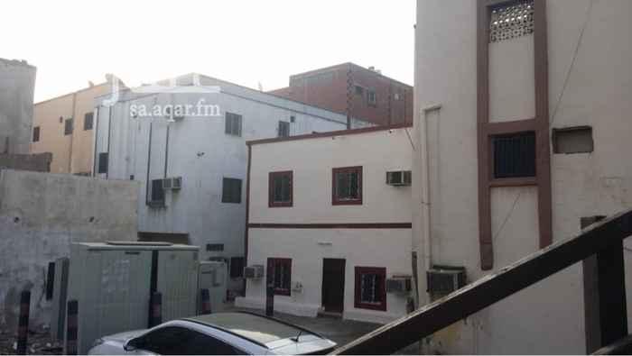 1319422 بيت شعبي يتكون من دورين كل دور ثلاثه غرف بمنافعها  مؤجر ب1500 شهري صافي واجهتين مدخلين