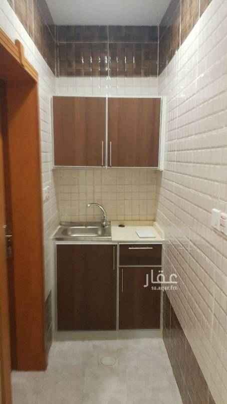 1698693 غرفة استديو للإيجار مطبخ صغير مكيف راكب