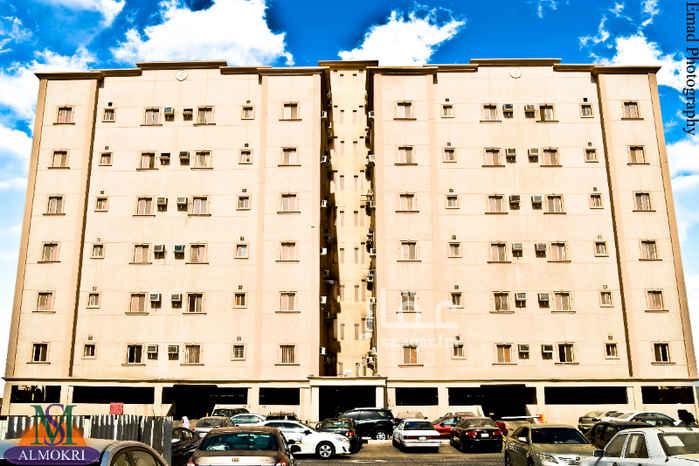 1742425 شقة غرفتين وصاله ومطبخ وعدد 2 دورات مياه حي الشرفية شارع زيد بن الخطاب ابو سعيد جوال رقم 0565984575