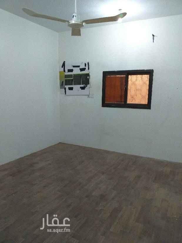 1423032 للأيجار شقه  4 غرف صالة  2 حمام أرضية بعمارة الكهرباء مستقل الإيجار 15 الف + 500 ماء