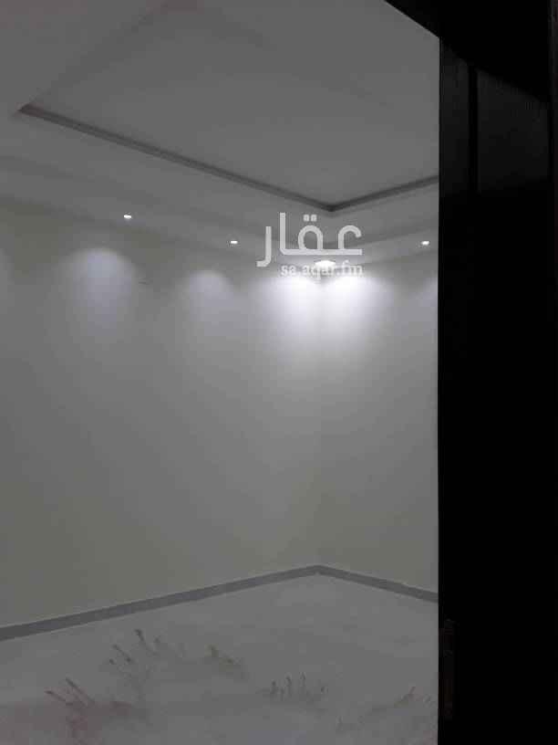 1699188 درج داخلي جديد في حي واحة الرماال  مجلس مقلط صالة مشب خارجي مدخل سيارة مطبخ دورتين مياه  العلوي / ٤ غرف نوم + و٣ حمام +وصالة ابو فجر  0545079514