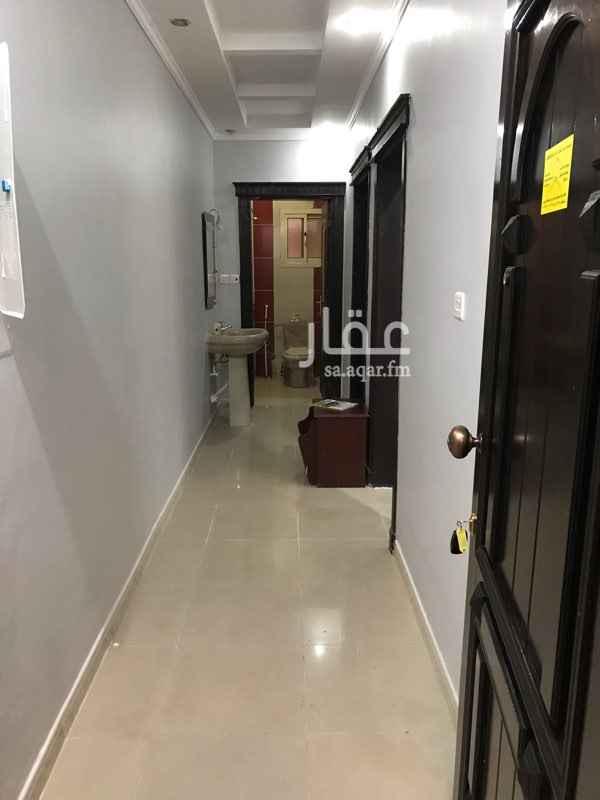 1645583 شقة تمليك في الدور الأول ممتازة جدا  سباكة وكهرباء ممتازة  أربع غرف وصالة وثلاث دورات مياه   بالقرب من جامع وحديقة الهدى   رزقنا الله واياكم