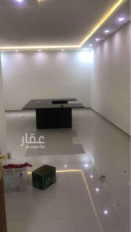 1671218 مكتب داخلي غير مطل ٥٥ م  يوجد اوفيس ودورة مياه  العماره على طريق الامير محمد بن سلمان  للمفاهمه ابو سعود   0555099922
