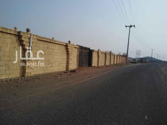 1206418 ارض مساحتها ٨٠٠٠ متر مربع للايجار في مخطط ابو جعالة بعد محطة الميزان على اربعة شوارع، شارع٣٠ وشارع٢٠ وشارع١٥وشارع ١٥، تم بناء استراحة صغيرة بحمام والباقي حوش، تصلح كمستودع تخزين