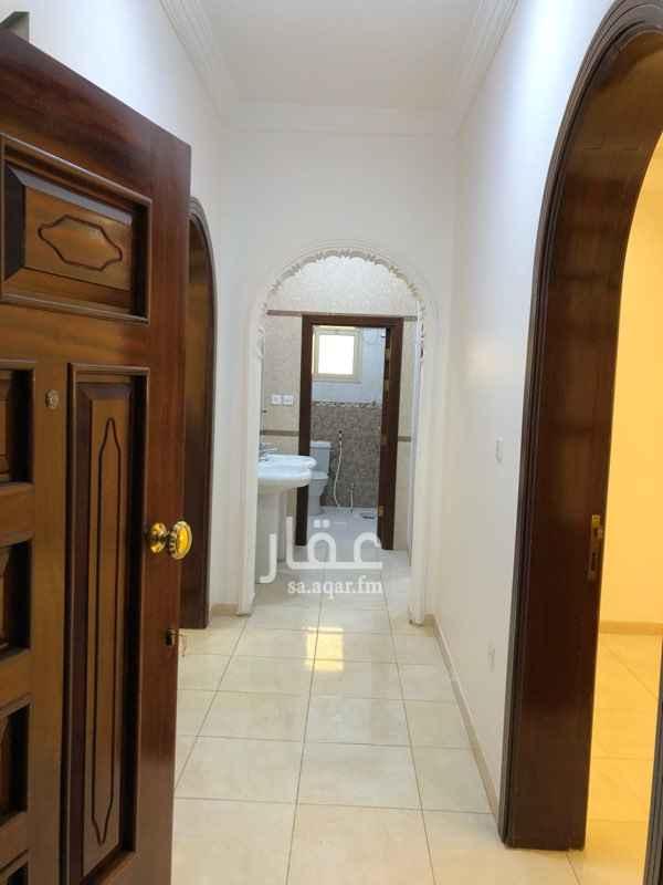 1809348 4 غرف وصالة ومطبخ جاهز و2 دورت مياه شقة نظيفة وديكورات  الرجاء التواصل على الرقم  0555663951