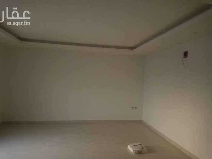 1361156 اجار دور علوي في حي الياسمين مربع 25 غرفتين نوم  ومجلس وصاله ومقلط  ومطبخ ركب  بدون مكيفات  قريب من جميعاً الخامات  لتوصل 0550105487