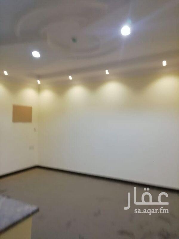 1295598 شقة عوائل غرفه و صالة و دورة مياه ومطبخ حي الحمراء شارع الشيخ حسن بن حسين بن علي