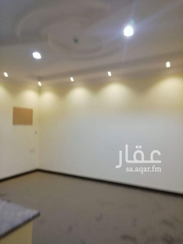 1295603 شقة عوائل غرفه و صالة و دورة مياه ومطبخ حي الحمراء شارع الشيخ حسن بن حسين بن علي