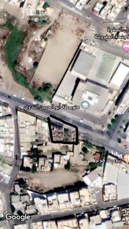 1665366 عماره مميزه وموقع استراتيجي وشارع حيوي جداً وسط المدينة ومتوفر مواقف امام العماره