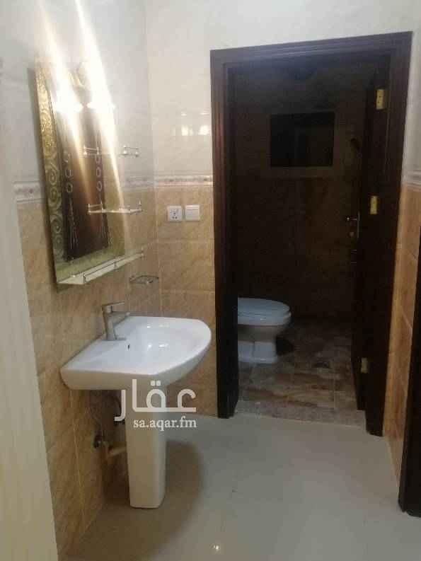 1426964 شقه 3 غرف مدخلين صاله كبيره ومطبخ ودورتين مياه مصعد موقف خاص شامل المويه والخدمات نقبل دفعات
