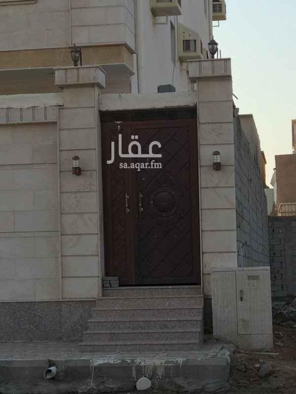 1351635 غرفة وحمام ٣م*٣م في حي الصالحية بالقرب من هايبر بندة الصالحية  شامل المياه والكهرباء