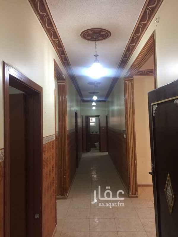 1484487 دور للإيجار في حي المونسية ، الرياض دور علوي للايجار 4 غرف نوم وصالة  ومجلس ومقلط ومطبخ و4 دورات مياه ومدخلين  الايجار السنوي 30 الف ريال  0550155166