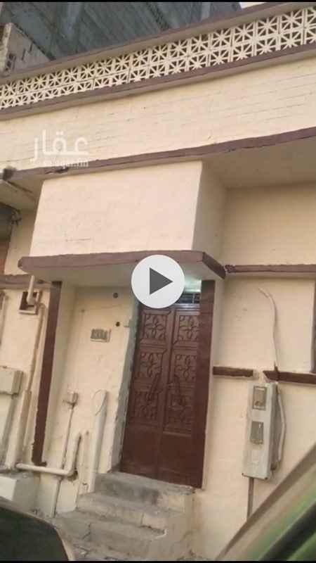 1098732 بيت شعبي في حي الخليج زاويه على شارع خلف شركه الكهربا على شارع وسيع البيت زاويه