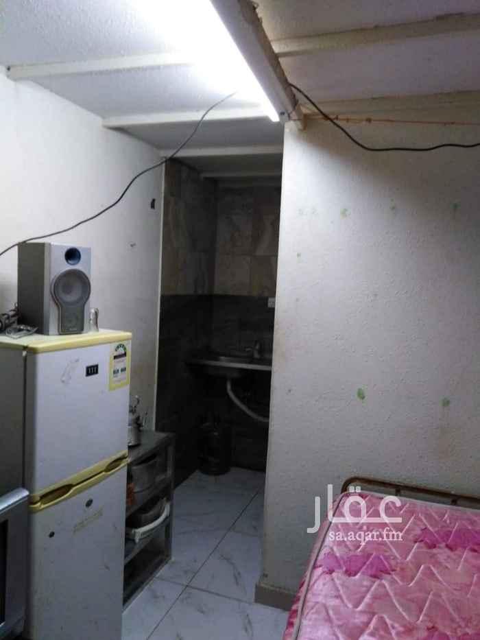 1810688 غرفة سائق مع دورة مياه شبه مؤثثة الايجار يشمل الكهرباء والماء