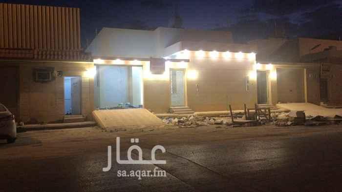 1817383 للبيع دور واحد بناء شخصي    في حي احد   الموصفات على الجوال   ابوحمد الحماد  0568339695