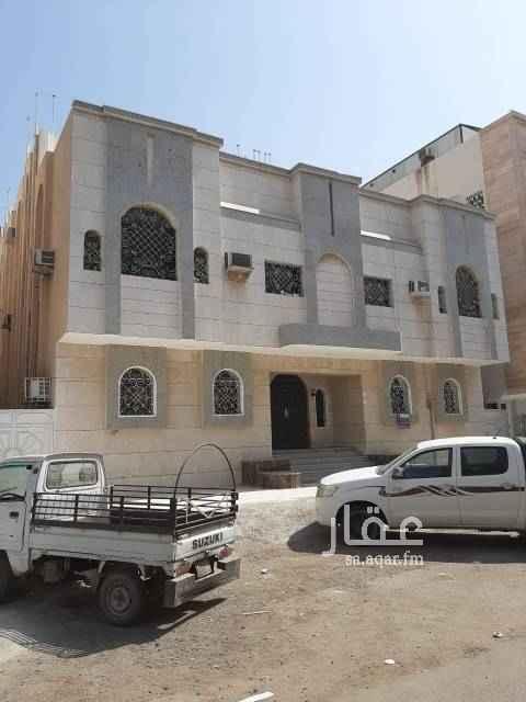 1483957 شقة5  غرف وصالة و3 حمام مدخلين  /خلف القلعة الذهبيه ب القارب من مسجداسامه بن زيد  / السعر المطلوب عشرون الف ريال