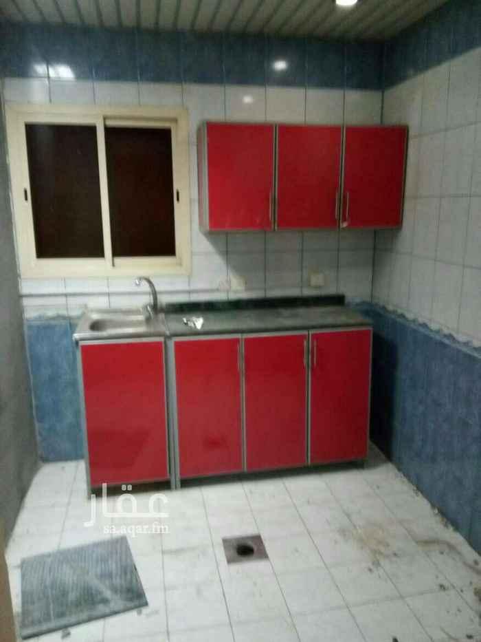 1700309 غرفه كبيره وصاله كبيره ومطبخ وحمام راكب فيها مكيفات ومطبخ  مكيفات اسبلت جديدة