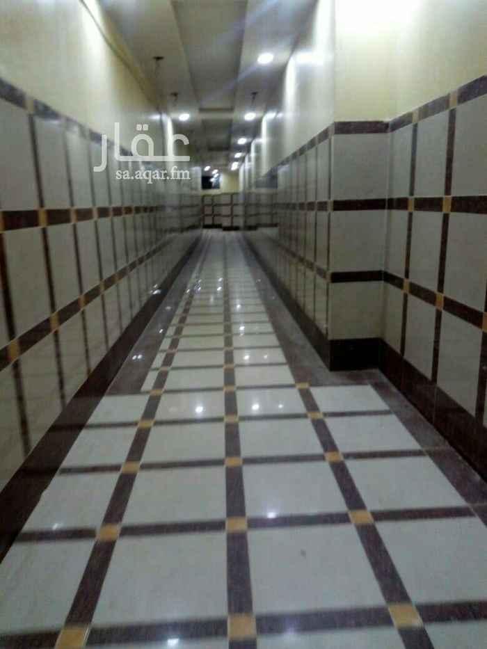 1658981 غرفه كبيره وصاله كبيره ومطبخ وحمام راكب فيها مكيفات ومطبخ  يوجد حارس يوجد مصعد مكيفات اسبلت