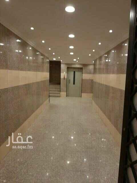 1794406 غرفتين كبيره وصاله كبيره ومطبخ وحمام راكب فيها مكيفات ومطبخ  يوجد مصعد يوجد حارس بالعمارة