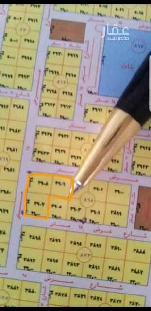 1808476 *حي الياسمين مربع ٩*  للبيع ارض سكنيه  راس بلك ٣قطع شوارع ١٤ الاجمالي ٢١٨٢م قطعتين زاويا ١٤٨٢م الاطوال ٢٦*٥٧عمق وقطعة شمالية ٧٠٠م شارع ١٤ الاطوال ٢٥*٢٨عمق حد ٣٠٠٠الاف للمتر. مباشر
