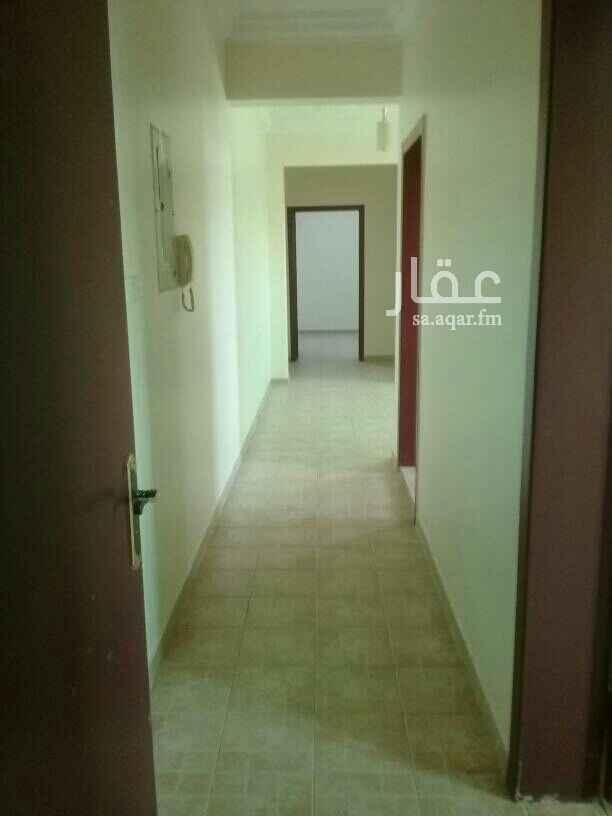1627978 ٤غرف وصاله و٢ حمام ومطبخ راكب مكيفات وراكب مطبخ