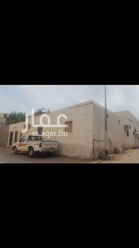 1555258 أرض للبيع بصك  الموقع /مكة - شمال ابو مراغ  المساحة / 432 م على شارعين فرعيه محوشة وبها شقتين  واصل لها الكهرباء والماء  ----------------------  المطلوب / 500 الف