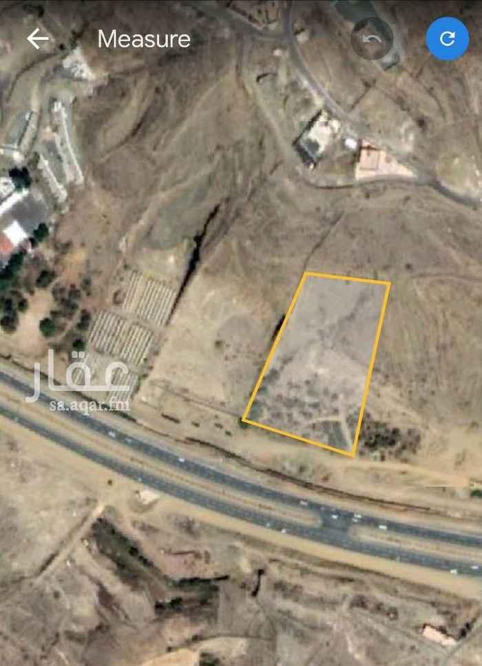 1689044 أرض تجارية للإيجار مساحتها 10900م٢ في مدينة ابها على طريق بعرض 136 م طريق  الملك عبدالله صك الكتروني واجهتها على الطريق التجاري 100م