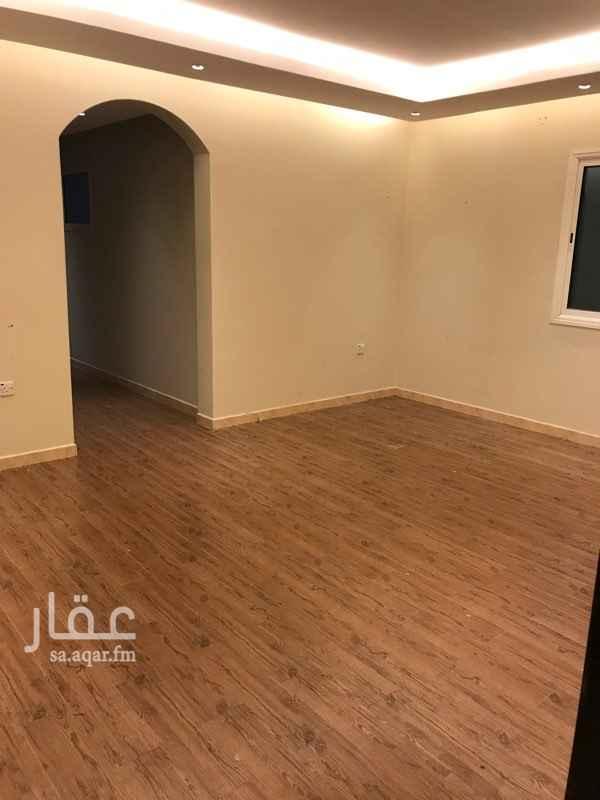 1808847 غرفتين وصاله وحمام ومطبخ وسطح خاص في الشقه مكيفة   للتواصل وات ساب :0565091253