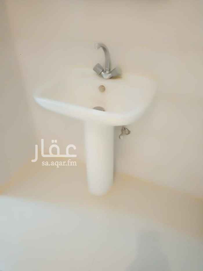 1813688 شقه  غرفه وحمام  راكب مكيف اسبلت نظيفه جدا ١٢الف عوايل  القيروان