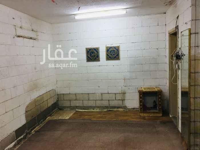 1806359 غرفة عزاب للايجار جدة حي الربوة شارع يحي المعلمي  جميع الخدمات متوفرة شامل ماء وكهرباء وقريبة من المساجد والاسواق