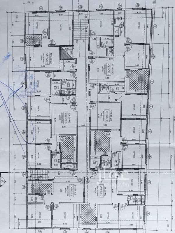 1278743 العمارة عبارة عن ٢١ شقة من ثلاث غرف ودورتي مياه وبوفية وعدد٨ محلات تجارية بدورة مياه وبوفية لكل محل ومواقف سيارات في الامام والخلف