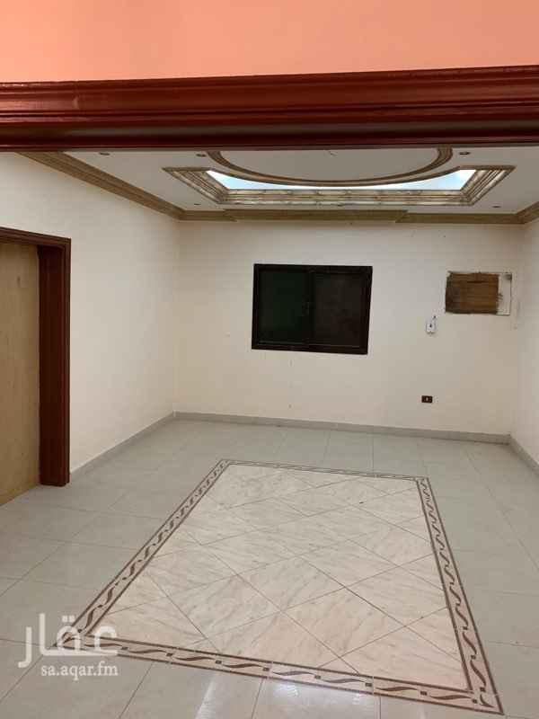 1666044 شقة مكون من 5 غرف  عدد 2 دورة مياة  عدد 1 صالة مدخل واحد عدد 1 مطبخ مجددة