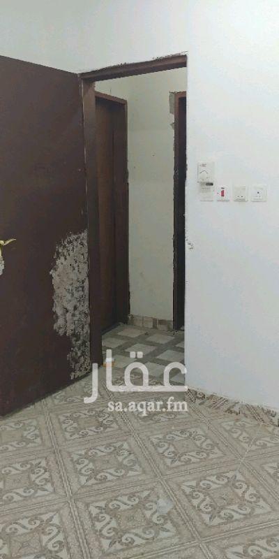 1432054 غرفه مكيفه دهان ابيض جديد مع دوره مياه خاصه بسخانه ما