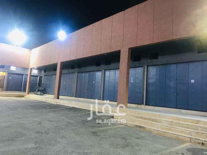 1814257 مجمع محلات  تحت الجبل شارع التراث بالغرب من المحطة وصرافة الرياض ١٤ محل الفتحه الواحده ١٣. الف سنوي