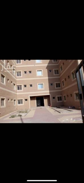 1477371 يوجد عمارة في الصناعية الثانية بالدمام للايجار ، العمارة مكونة من اربعة ادوار و كل دور يوجد فيه 19 شقة (غرفة + حمام) ويوجد ثلاث مداخل للعمارة بالكامل و مجموع الشقق في العمارة مكون من 75 شقة ، العمارة للايجار بالكامل او بالدور او بالشقة ، العمارة جديدة و لم تسكن من قبل وصالحة للشركات و سكن العمال ، بالنسبة للاسعار تختلف على حسب الطلب.  لتواصل واتس فقط  0578506010