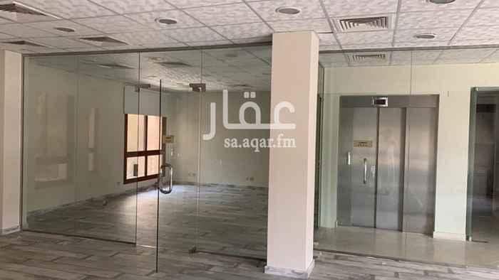 1625682 بيوتات الأعمال فيلا مكتبية للايجار (ليست سكنية) مساحة ٤١٠ تكيف مركزي جديد مصعد جديد مُجددة بالكامل الإيجار ٣٢٠ الف ريال