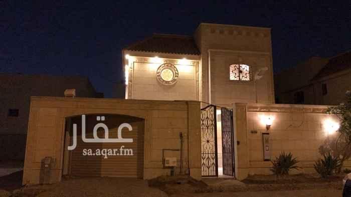 1743967 نوع العقار : فيلا سكنية شمال الرياض تقع بين ثلاث طرق رئيسية شمالها طريق أنس بن مالك وشرقها طريق الملك فهد وغربها طريق الخير  الحــــــــي :  الملقا  العمــــــــر : تسع سنوات مجددة وبحالة ممتازة  المساحــة: ٣٥٠م (٢٥ الطول X العرض ١٤ ) الشـــــارع :  ١٥ شمالي حجر ظهيرة شارع محمد بن عبدالعزيز الدغيثر التجاري على بعد ٢٠٠ متر  النظـــــــام :   درج داخلي  الخدمات : هاتف ألياف بصرية وصرف صحي وكهرباء  الدور الارضي: عباره عن مدخل سياره خاص +مجلس رجال +صالة طعام +مجلس نساء +مطبخ مؤثث جاهز وبحالة ممتازة
