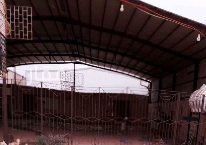 1405121 ورشة حداده - صناعية الحفر   / لايوجد عليها عمال / للتنازل /