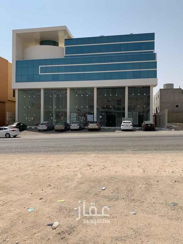 1502205 للايجار مكتب حي الملقا- الامير محمد بن سعد  المساحة 60 متر مطل الايجار 30 الف  العمارة يوجد حارس   للتواصل 0580805111
