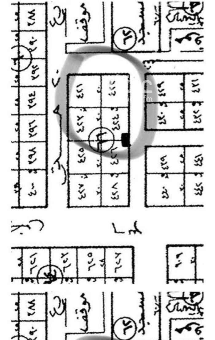 1589525 للبيع في بدر أ شرق طريق الملك فهد ارض مساحة ٧٥٠م جنوبية شارع عرض١٥ م الاطوال ٢٥ في ٣٠ عالشارع عليها محضر تجزأة ارضين 375م رقم القطعة 424