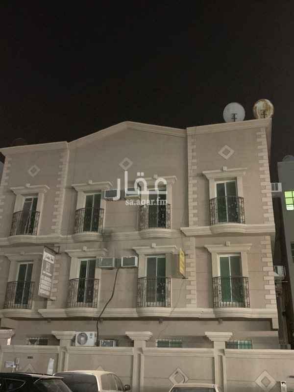 1734420 السلام عليكم لقطة للإيجار شقة شبه جديدة تتكون من غرفتين وحماميين وصالة غرف نظيفة دور أرضي خارجية على الشارع   للتواصل (ابو مياس) 0581149985  مكتب الإبراج الساطعة العقاري