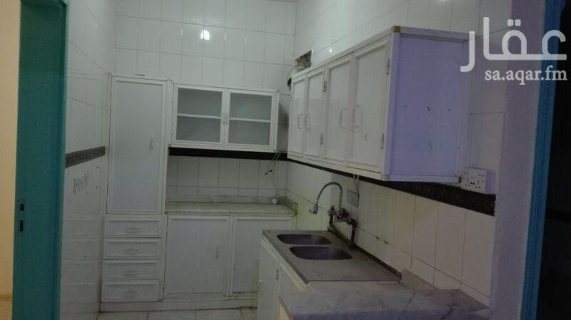 1394641 شقة للإيجار عوائل حي السلمانية غرفتين بدون صالة ومطبخ ودورة مياة تشطيب ممتاز راكب مطبخ