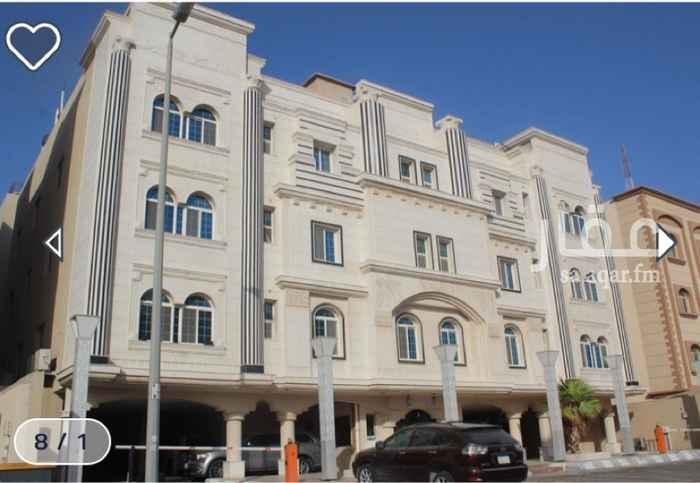 1744290 شقة فاخرة - مساحة الشقة 223متر مربع - تقع الشقة في الدور الثاني- الشقة بها مدخلين - الشقة عبارة عن غرفة نوم رئيسية بدورة مياه + غرفتين نوم + دورتين مياه + مجلس +ملقط+ صالة + مطبخ + غرفة خادمة بدورة مياه + غرفة غسيل - الشقة امامية - يوجد مصعد في العمارة - وجهة الشقة غربية - الشقة مؤجرة - دخلها السنوي 40,000 ريال سنويا - تقع علي شارع عرضه 20م - تقع بالقرب مجموعة خدمات ومطاعم + مسجد+ الارض تجارية  مؤجرة .. ودفع مقدم عربون من قيمة السعي  10000 ريال في حالة الشراء ..