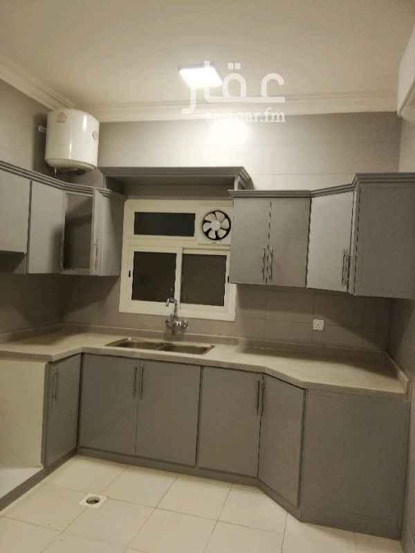 1787902 شقة ٤ وصالة وغرفة شغالة راكب مكيفات ومطبخ مساة ١٧٩ متر في الملقا تشظيب ممتاز ب ٥٧٩ الف